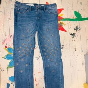 Denim jeans with embroidery
